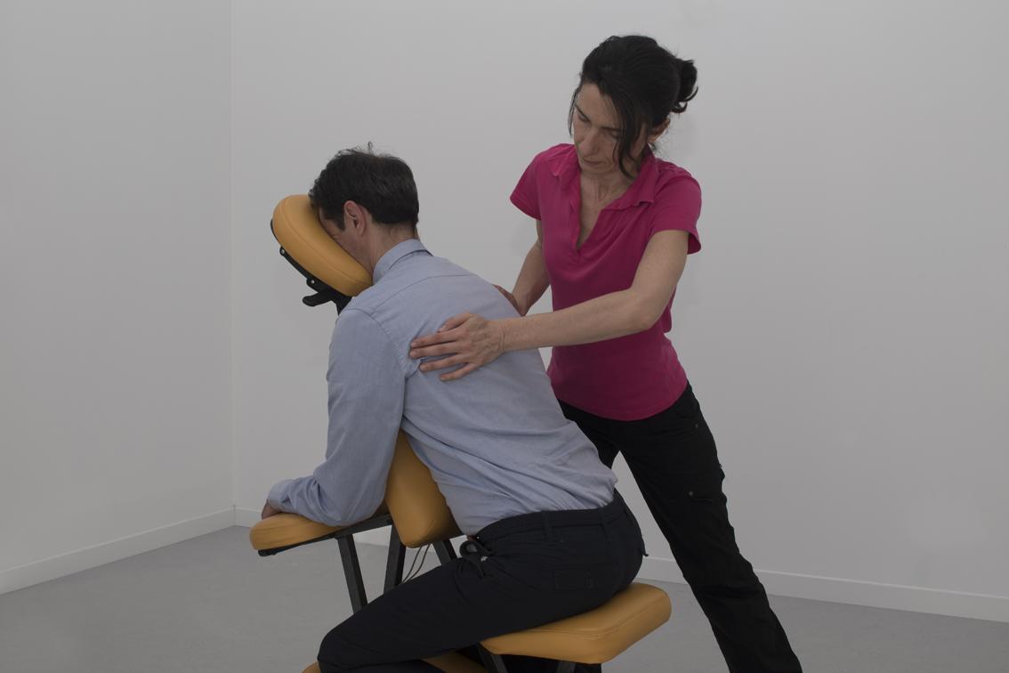 Shiatsu assis en entreprise Célina Gomes